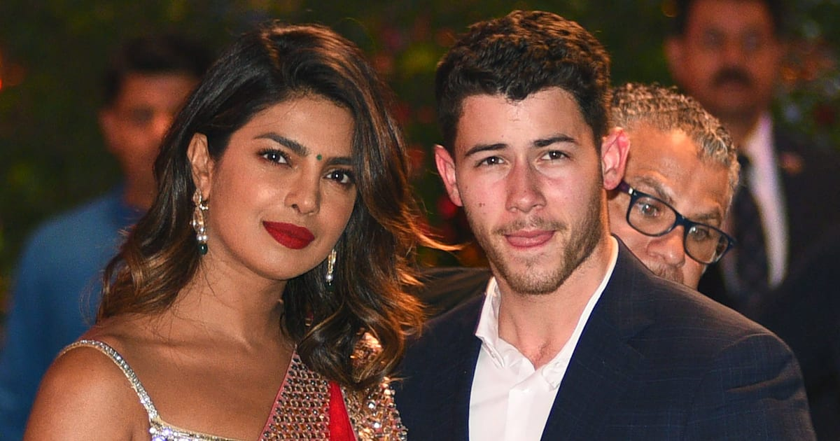 priyanka chopra d voile sa superbe bague de fian ailles offerte par nick jonas. Black Bedroom Furniture Sets. Home Design Ideas
