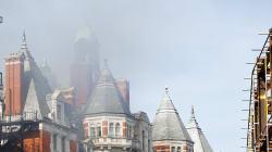 Spectaculaire incendie sur le toit du Mandarin Oriental de Londres, près de Hyde