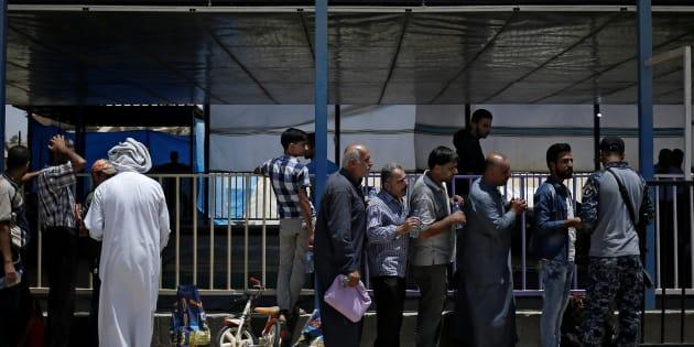 """La France va créer """"dès cet été en Libye"""" des centres d'examen pour les candidats à l'asile, annonce Macron"""