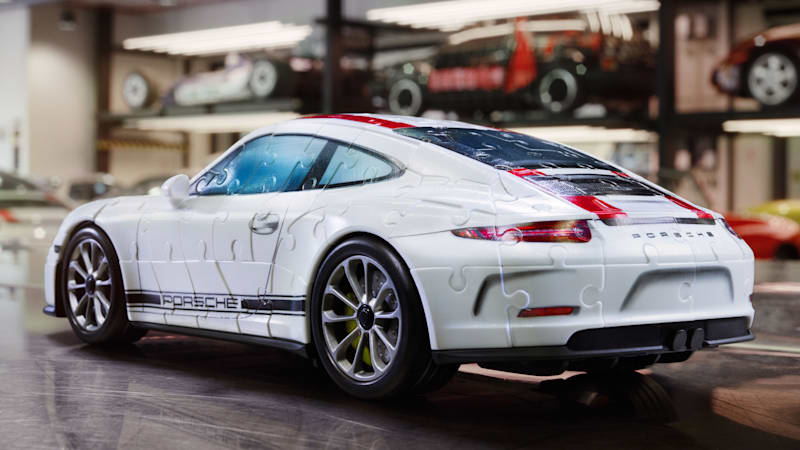 2016 porsche 911 r becomes a 3d puzzle autoblog. Black Bedroom Furniture Sets. Home Design Ideas