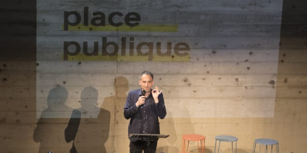 """Raphaël Glucksmann prenant la parole lors du premier meeting du mouvement """"Place publique"""""""