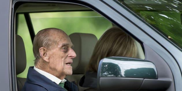 Le prince Philip au volant de sa voiture et sans ceinture deux jours après son accident (Photo d'illustration du prince Philip prise le 17 janvier 2019).