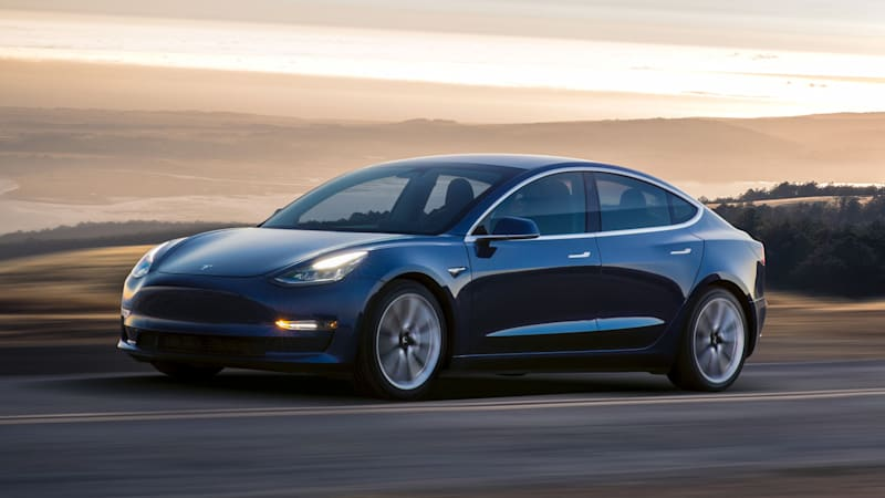 Tesla Model 3 handed over to first customer