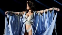 On se demande comment Bella Hadid n'est pas tombée elle aussi au défilé Victoria's