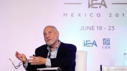 Joseph Stiglitz a Trump: sería extraordinariamente TONTO sacar a EU del