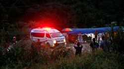 Huit enfants sauvés de la grotte de Tham Luang en