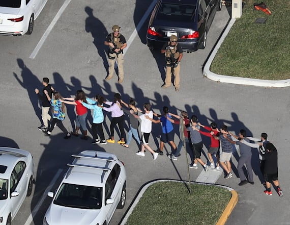 Deputies hid outside Parkland school during shooting
