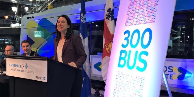 Les ministres provinciaux Martin Coiteux et André Fortin ainsi que la mairesse de Montréal, Valérie Plante.