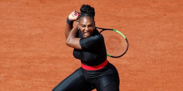 Roland-Garros: Serena Williams a fait son retour dans une tenue de super-héroïne utile à sa santé.