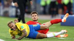 Os memes da queda (e rolamento) de Neymar na partida Brasil X