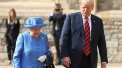 Donald Trump infrange il protocollo reale (con un gesto molto scortese verso la