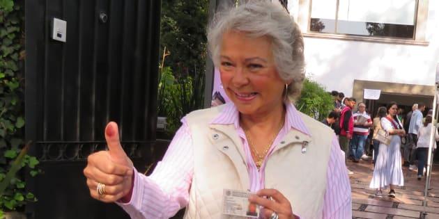 La exministra Olga Sánchez Cordero después de votar.