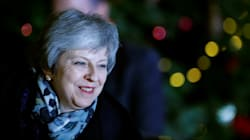 Theresa May respinge l'assalto dei