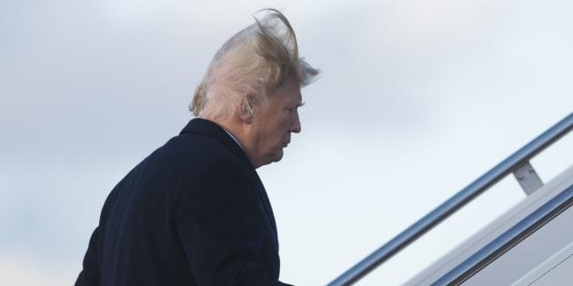 Un coup de vent r v le un d tail sp cial sur les cheveux for Coupe de cheveux donald trump