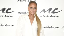 Pas de pantalon pour Jennifer Lopez, des bottes à la