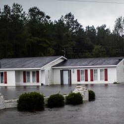 Florence se degrada a depresión tropical, pero expertos advierten que aún es