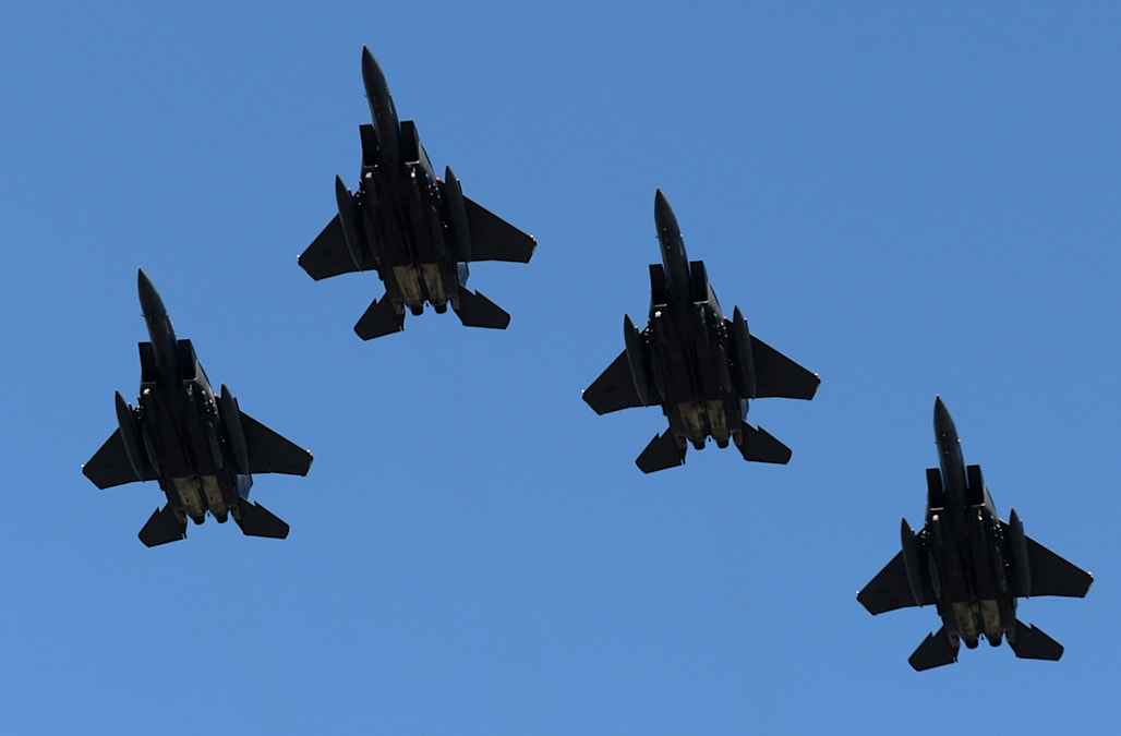 US sells F-15 fighter jets to Qatar in $12B arms deal