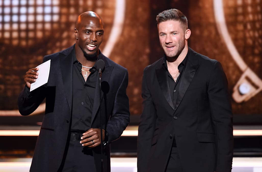 Patriots players grace the stage, red carpet at Grammy