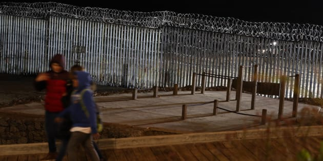 Le président des États-Unis devrait aborder la «crise» des migrants ce soir, dans son discours à la nation, pour justifier sa demande de construire un mur tout le long de la frontière avec le Mexique.