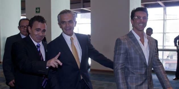 Sergio Mayer con Miguel Ángel Mancera, cuando éste era precandidato del PRD al gobierno del Distrito Federal.