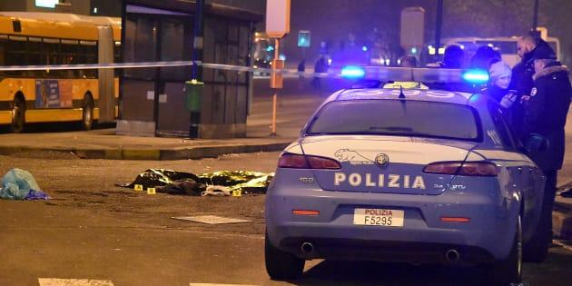 Une voiture de police près du corps d'Anis Amri, abattu le 23 décembre à Milan.