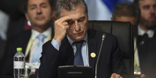Macri pide ayuda al FMI para contener la depreciación del peso argentino.
