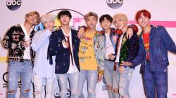 BTS, premier groupe de K-pop à se hisser au sommet des palmarès aux