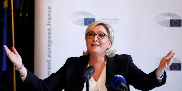 Marine Le Pen en conférence de presse à Paris le 22 janvier.