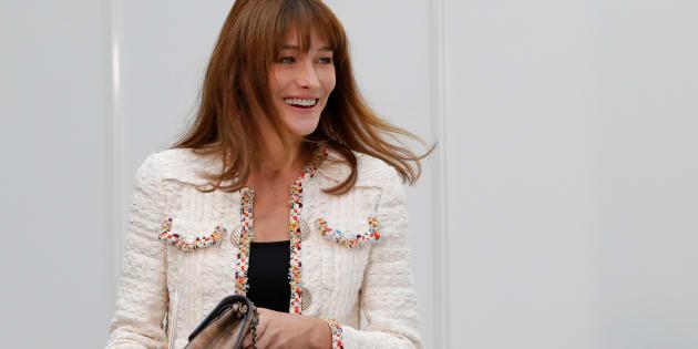 L'ex-première dame Carla Bruni le 4 octobre 2016 à la Fashion Week de Paris.
