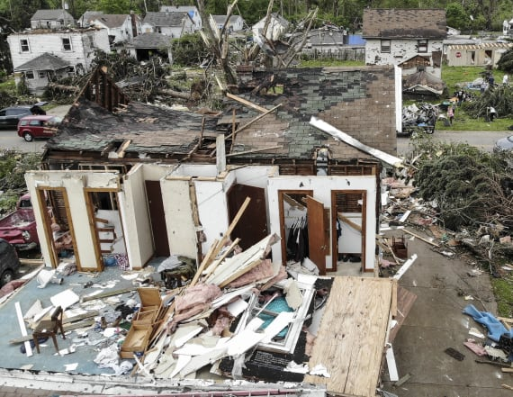 13 days of tornadoes shatter US twister record