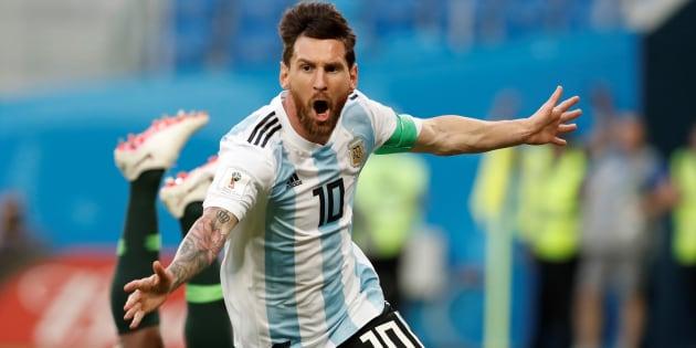 ナイジェリア戦で今大会初得点を挙げて喜ぶアルゼンチンのメッシ=6月26日、ロシア・サンクトペテルブルク