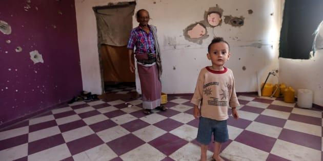 """""""La France ne vend donc pas seulement des armes aux belligérants, elle participe directement à cette guerre par l'envoi de matériel, de techniciens, d'instructeurs, d'observateurs et, semble-t-il, de forces spéciales sur le sol même du Yémen."""""""