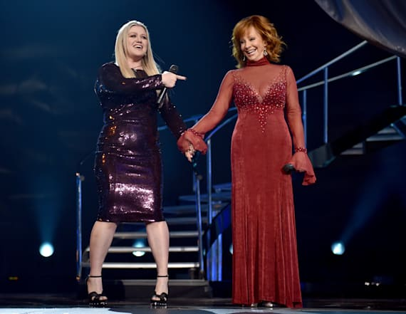 Reba and Kelly Clarkson praise Carrie Underwood