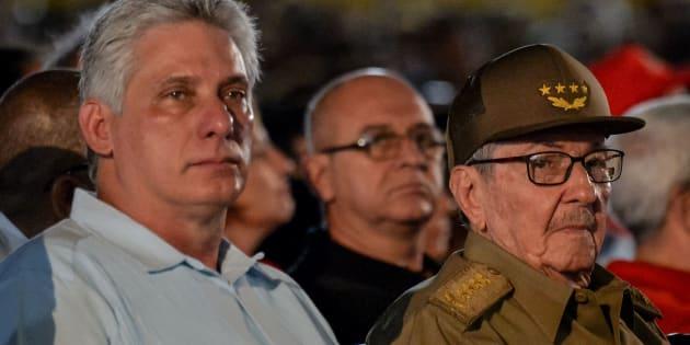 Miguel Diaz-Canel et Raul Castro à Santiago de Cuba, le 26 juillet 2018, lors des célébrations de la fête nationale qui commémore l'attaque de la caserne de la Moncada à Santiago de Cuba le 26 juillet 1953 par Fidel Castro.