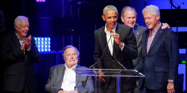 チャリティーコンサートに集まった歴代大統領5人