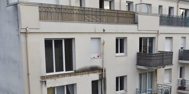 Quatre personnes sont décédées et une dizaine d'autres blessées après l'effondrement d'un balcon à Angers.