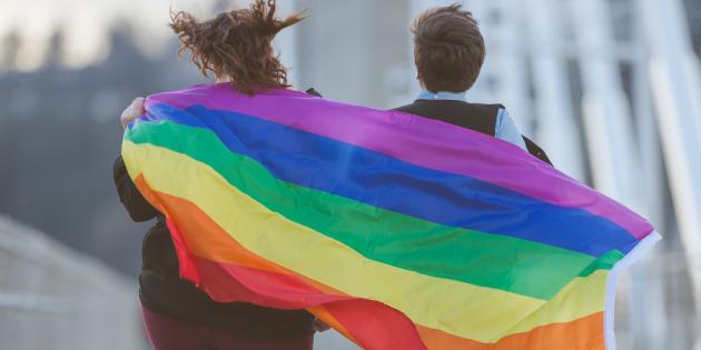 No entendimento do relator, é possível que transexuais tenham direito, mesmo sem cirurgia, a terem uma nova certidão de nascimento.