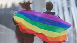 É a identidade de gênero que faz a conexão com a sociedade, não a biológica, diz