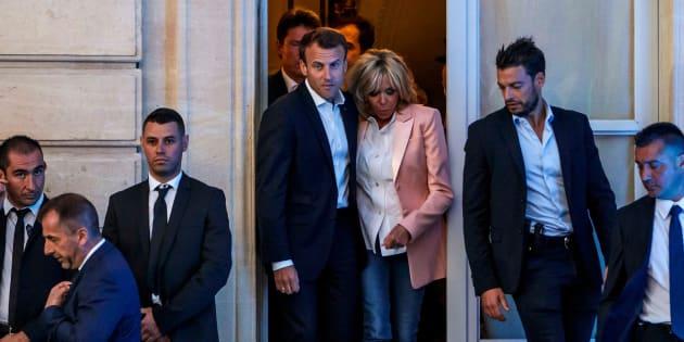 Ce qu'il faut penser du train de vie d'Emmanuel Macron après l'affaire de la vaisselle et de la piscine de Brégançon.