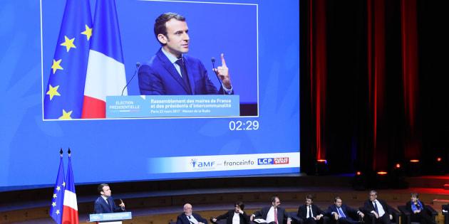 Emmanuel Macron devant l'Assemblée des maires de France.
