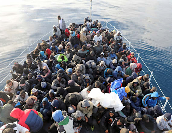 More than 300 migrants intercepted in Libya boats