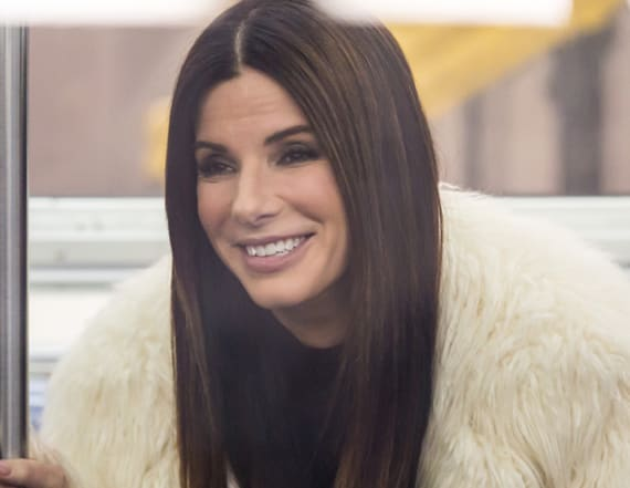 Sandra Bullock packs on PDA with boyfriend
