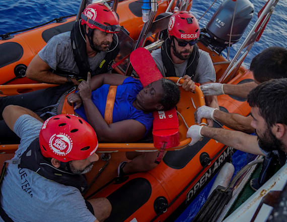 Marc Gasol helps to save shipwrecked migrant woman