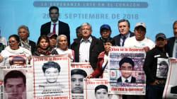 FOTOS: Los tres acuerdos a los que llegó AMLO con los padres de los 43 normalistas de