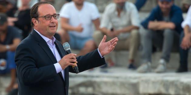 François Hollande prononce un discours à Arles, le 21 juillet.