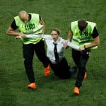 ワールドカップ決勝に乱入したプッシー・ライオットとは?