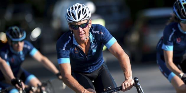Dopage: Lance Armstrong va payer 5 millions de dollars pour éviter un procès.