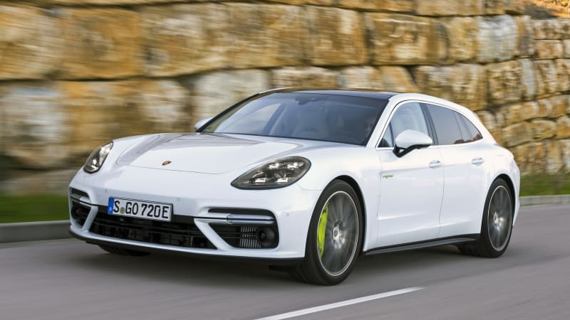 2018 Porsche Panamera Turbo S E-Hybrid Sport Turismo First Drive Review | Long name, astonishing quickness