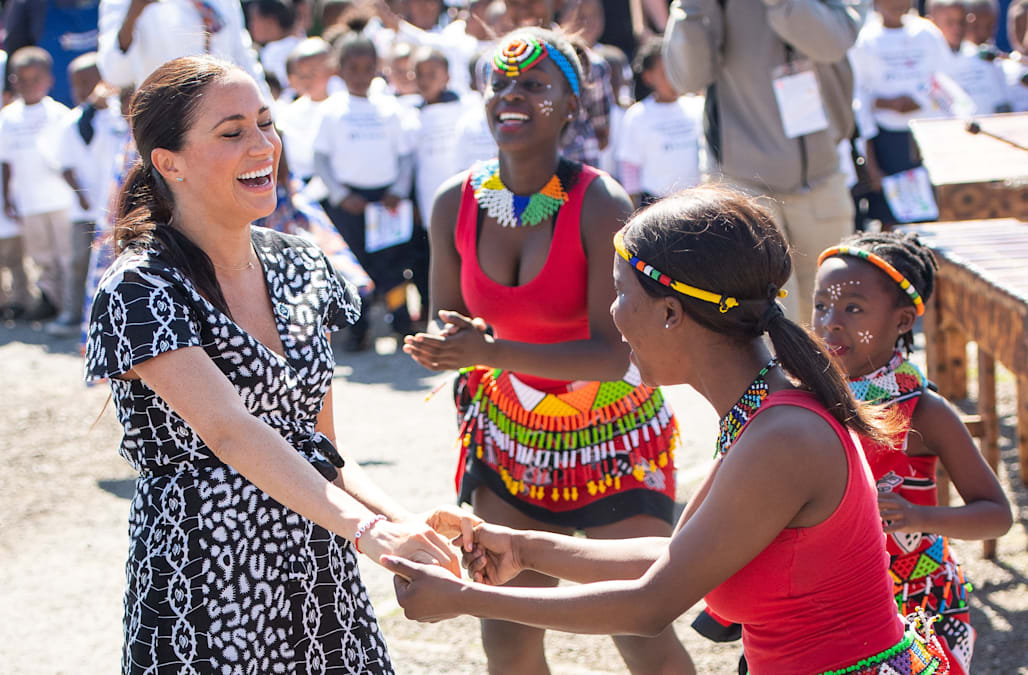 Meghan Markle arrives in South Africa in $85 printed wrap dress
