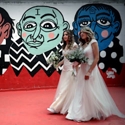 Parejas gays adelantan bodas en Brasil por miedo a